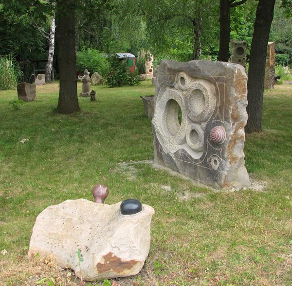 Naturstein Münster skulpturen aus naturstein summsteine gartenskulpturen münster steine für spielplätze